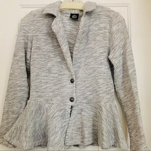 Fitted Knitted Blazer with Ruffle Bottom Size S